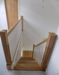 Dom-Stairs-7E-17-6.jpg