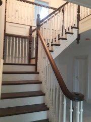 dom-stairs-8B-18-4.jpg